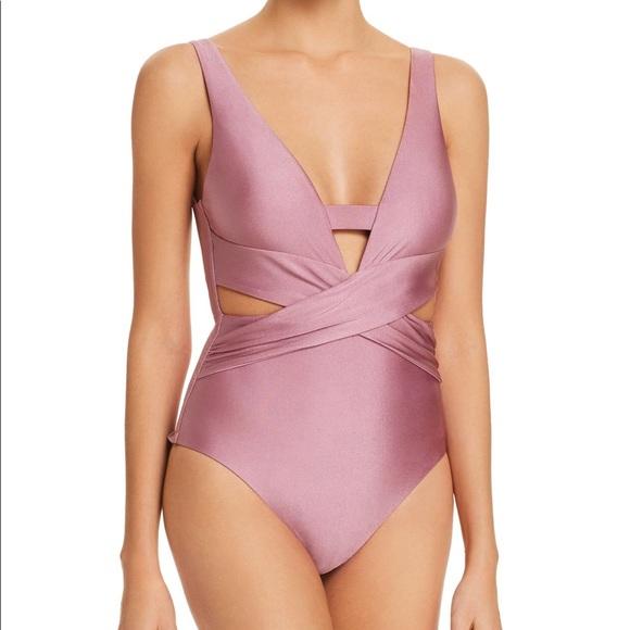 e29cc49f0a Becca ballerina one piece swimsuit 👛👛